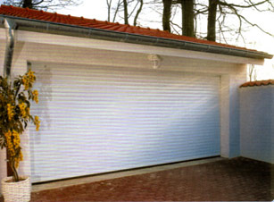 Bien choisir sa porte de garage - Peindre une porte de garage ...